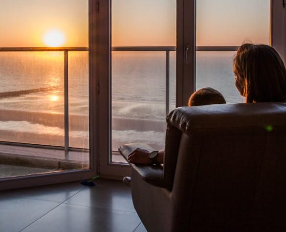 okna-z-widokiem-na-morze