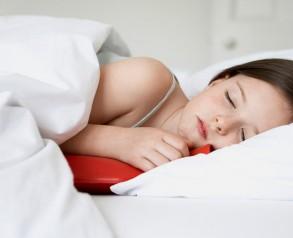 spanie-z-termoforem-gumowym